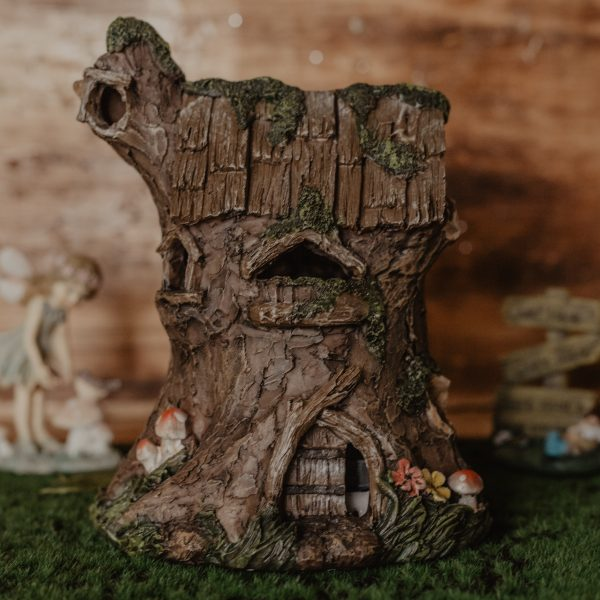 twisted log fae house